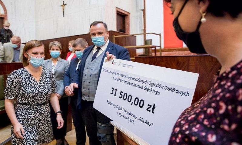 """Ponad 30 tys. zł dla ogródków """"Relaks"""" na odnowienie sieci melioracyjnej"""
